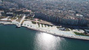 İzmir'e yeni meydan